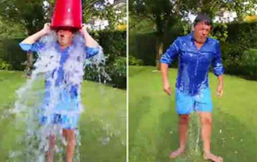 renzi-secchio-dacqua-in-testa-bucket-challange-video-029913