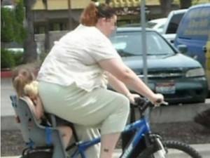 in-bici-con-la-bimba