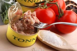tonno-pomodori-153199832-300x200